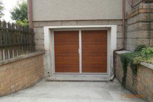 Dvoukřídlá, zateplená garážová vrata